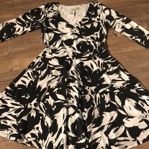 NWT Abercrombie & Fitch floral dress Black &White